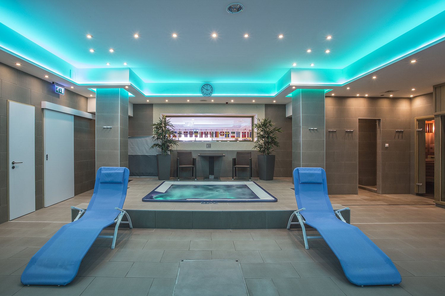 The spa centre wellness services in pictures for Wellness hotel